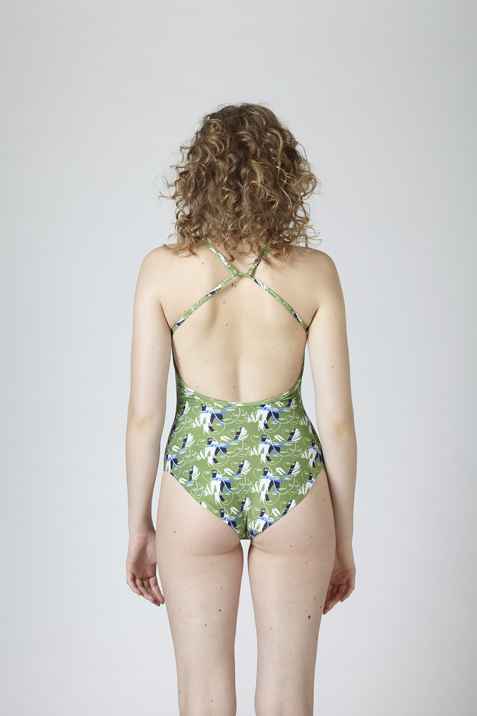 MARGARET AND HERMIONE_Swimsuit No.2_faces_hinten_EUR 197,00