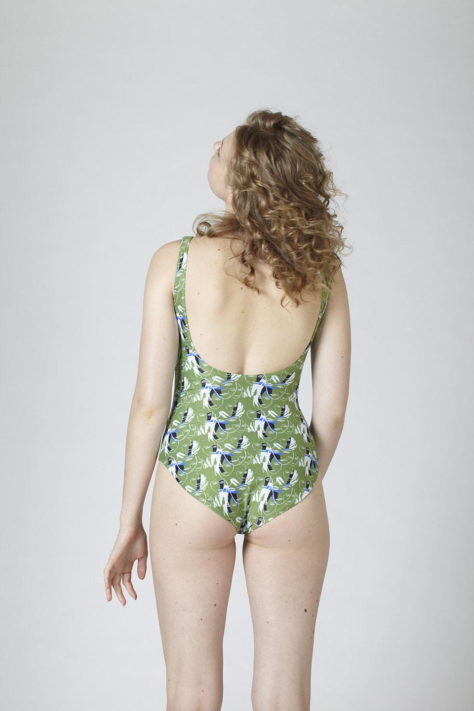 MARGARET AND HERMIONE_Swimsuit No.5_faces_hinten_EUR 2018,00