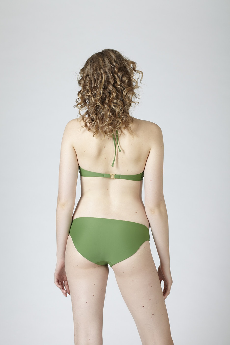 MARGARET AND HERMIONE_Top No.2_green_EUR 114,00_Bottom No.2_green_EUR 69,00_hinten