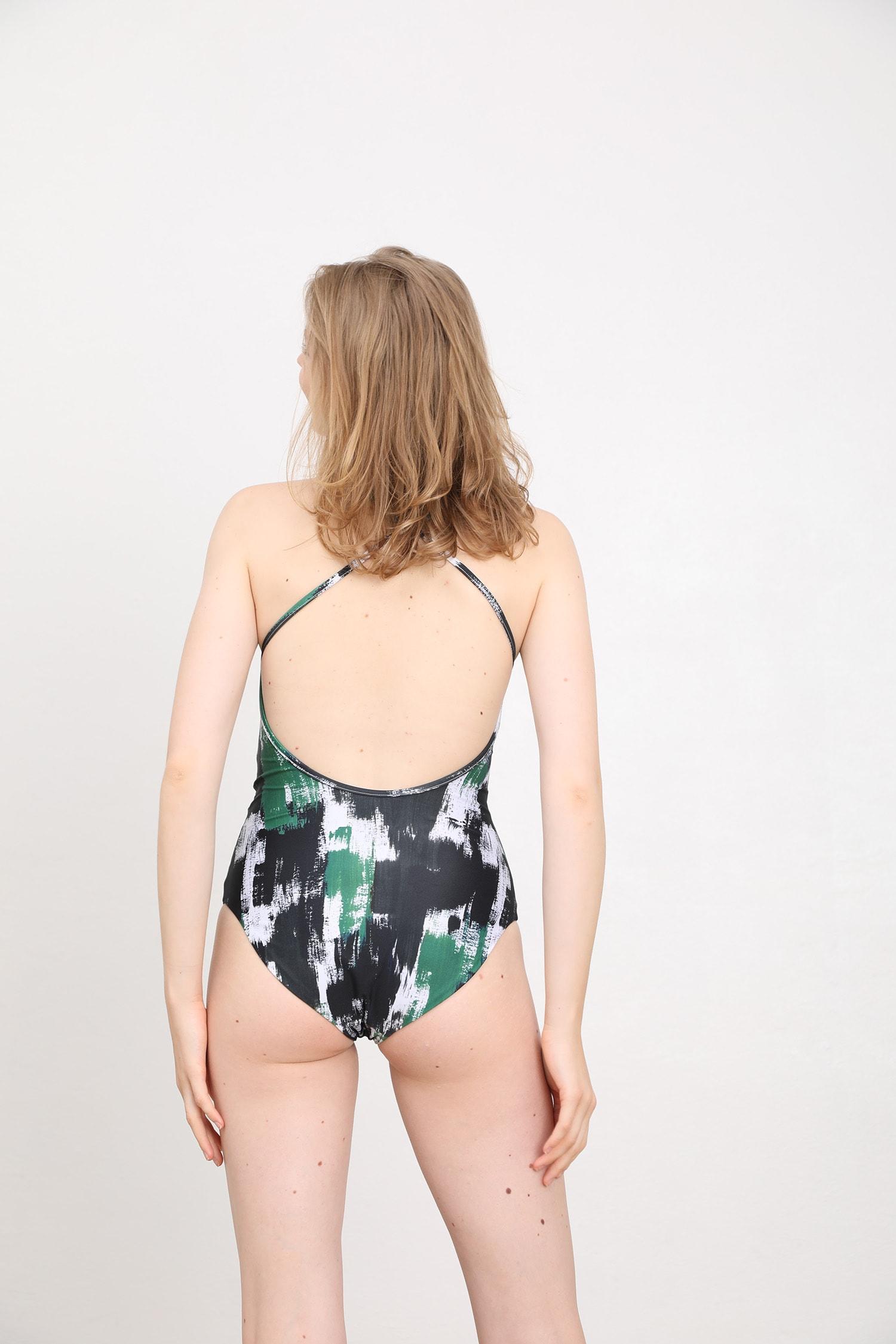 margaret and hermione_ss19_swimsuit no2_brush black_197,00eur_hinten_online