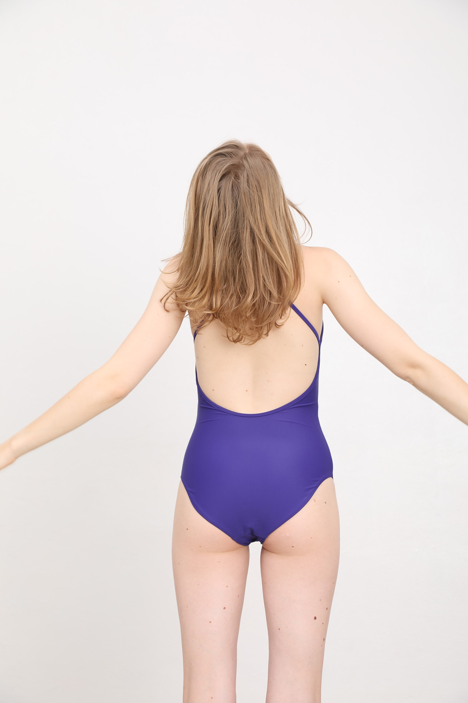 margaret and hermione_ss19_swimsuit no2_violet_154,00eur_hinten_online