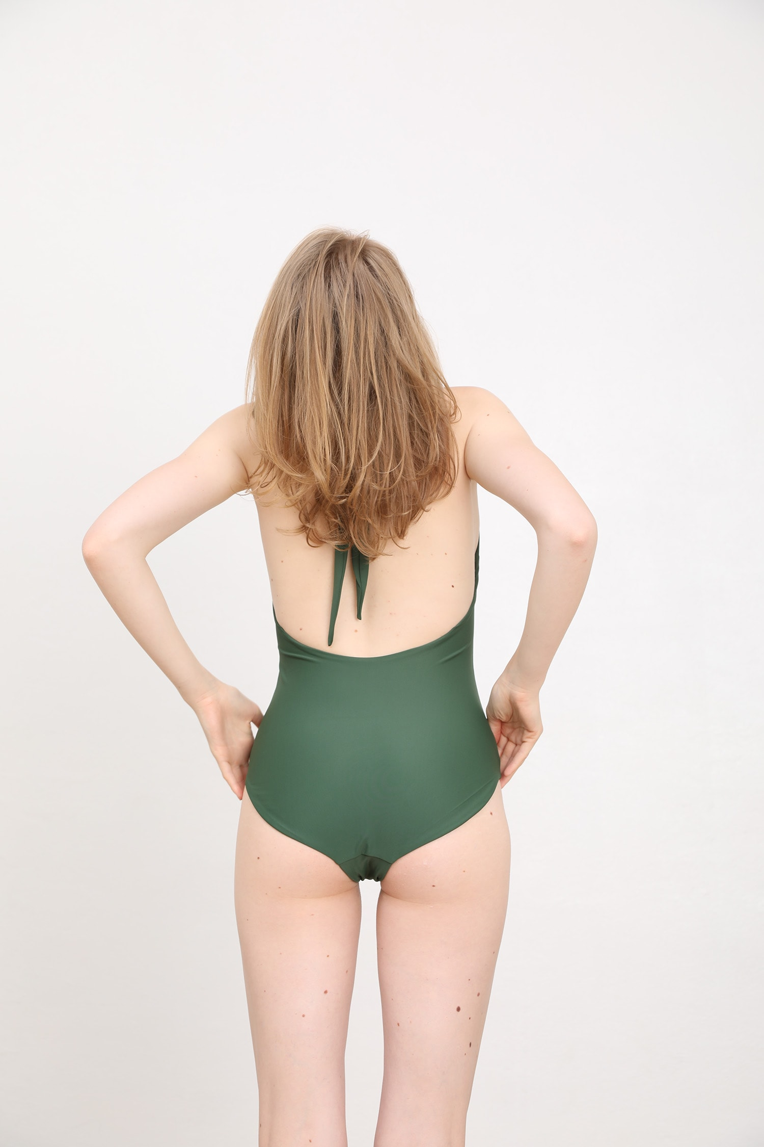 margaret and hermione_ss19_swimsuit no4_dark green_157,00eur_hinten_online
