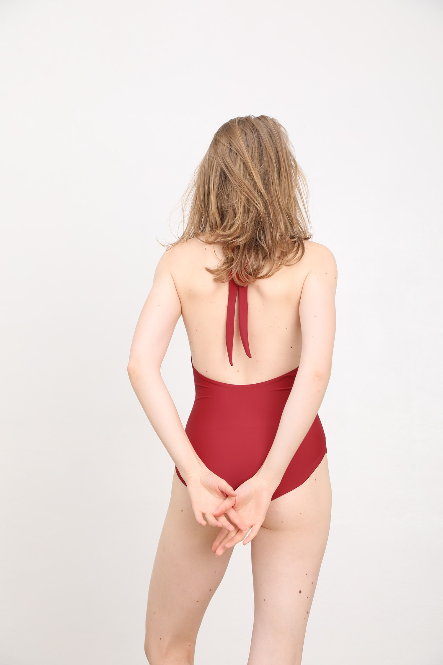 margaret and hermione_ss19_swimsuit no4_dark red_157,00eur_hinten_online
