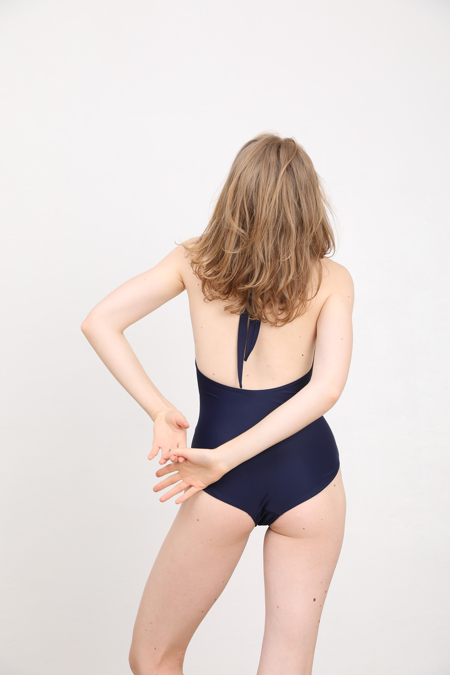 margaret and hermione_ss19_swimsuit no4_night_157,00eur_hinten_online
