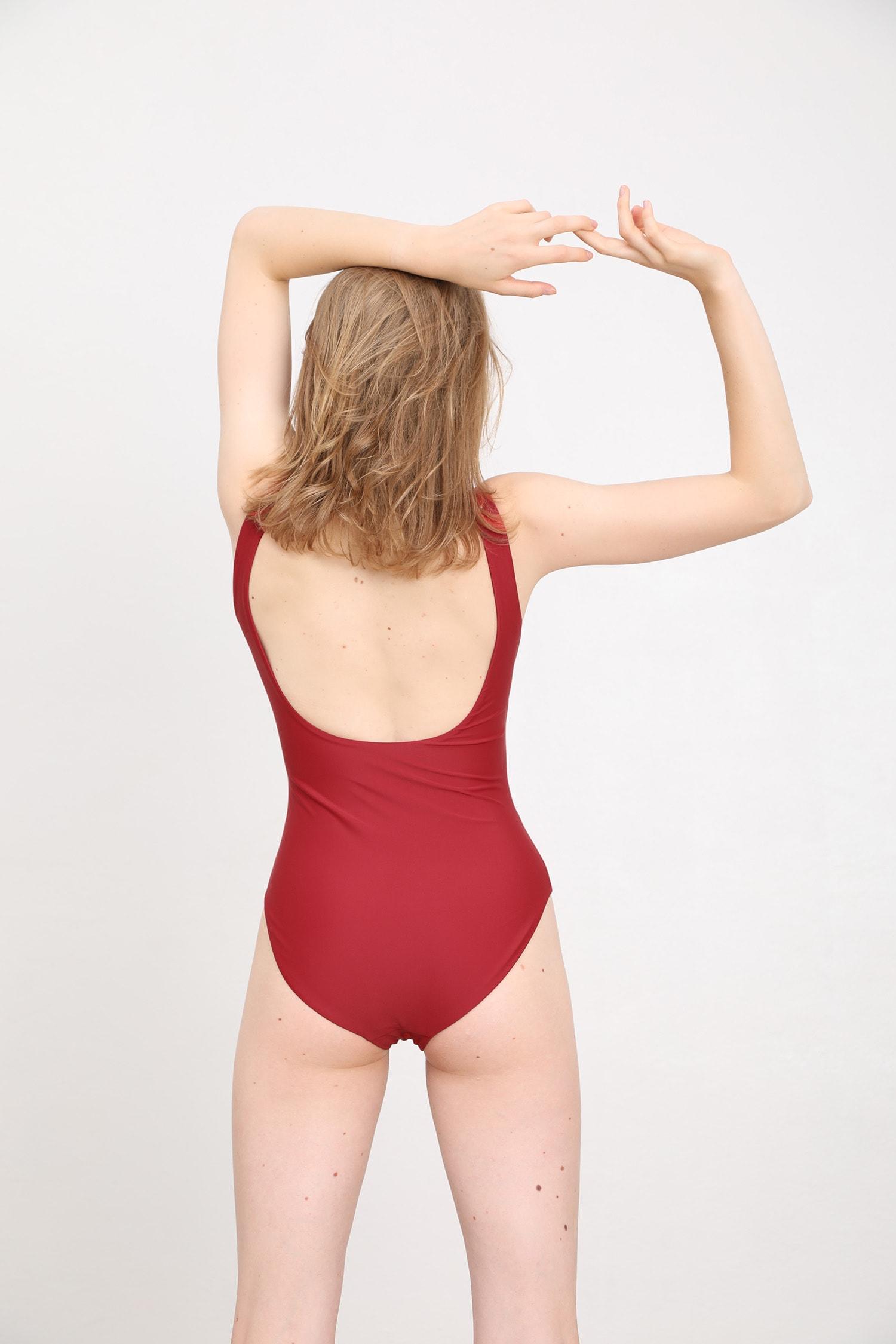 margaret and hermione_ss19_swimsuit no5_dark red_159,00eur_hinten_online