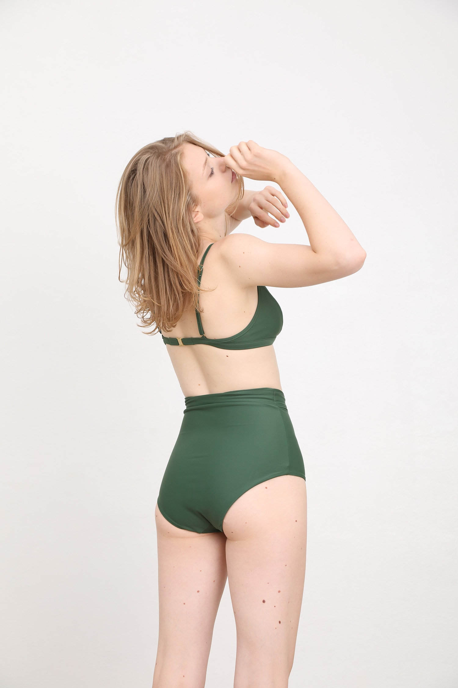 margaret and hermione_ss19_top no4_94,00eur_bottom no.4_92,00eur_dark green_hinten_online
